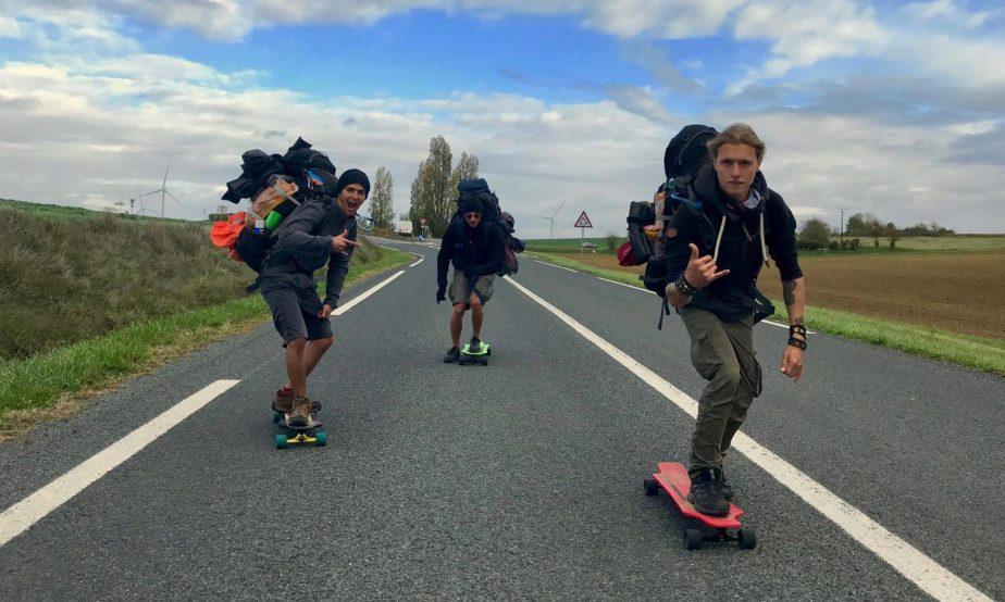 3 jeunes suisses traversent la France en skate!