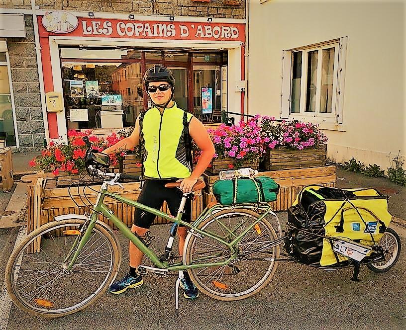 Interview du jeune Killian : un tour de Bretagne pour la cause animale : 60000 abandons chaque été en France!
